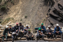 نماینده مقام معظم رهبری در محل حادثه معدن آزادشهر حضور یافت