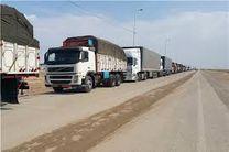 نمونه برداری از ۳۰۰ کامیون حامل فرآوردههای نفتی صادراتی به منظور تعیین ماهیت فرآورده