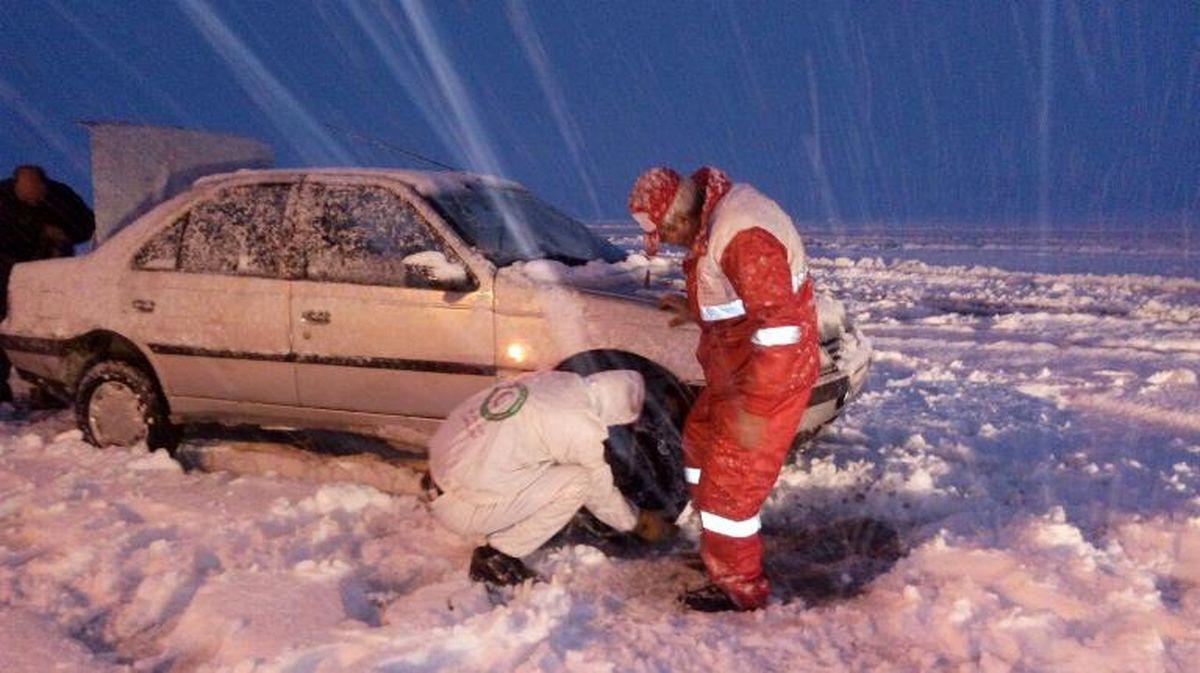 امداد رسانی به ۵۳۸۰ نفر در ۱۷ استان در پی بارش برف و کولاک