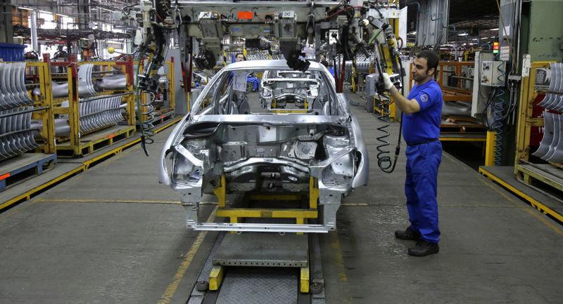 دپوی ۹۳ هزار خودروی ناقص در خودروسازیها