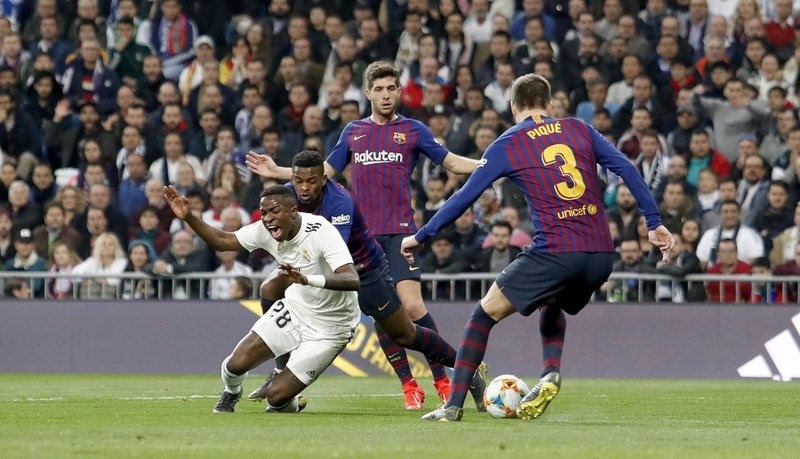 ساعت بازی رئال مادرید و بارسلونا مشخص شد