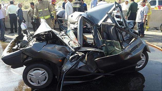برخورد شدید خودروها در جاده خاوران تلفات جانی نداشت