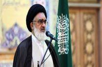 انقلاب اسلامی موجب احیا دین اسلام شد