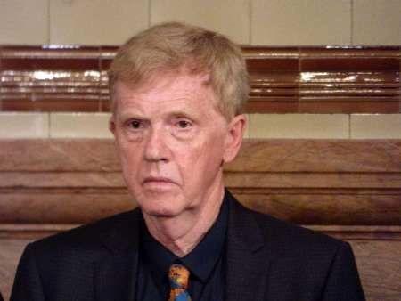 سفیر پیشین انگلیس در سوریه براندازی اسد را گامی جنونآمیز خواند