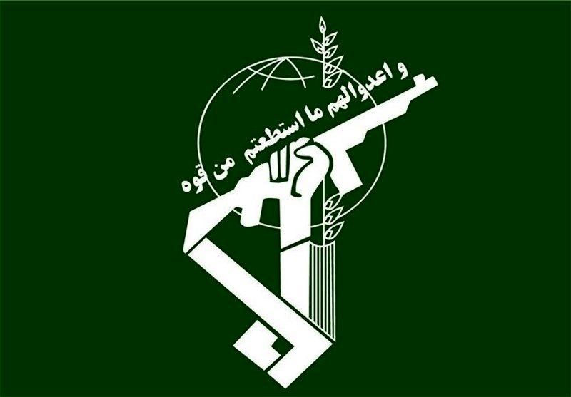 نیروی انتظامی سپر پولادین امنیتی ایران اسلامی است