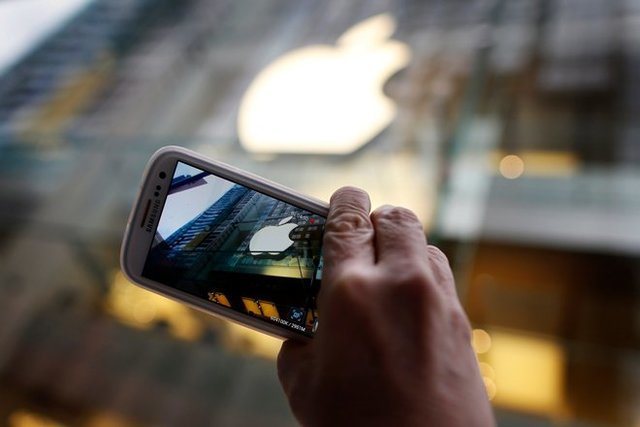 قابلیتهای یک گوشی هوشمند در یک آیینه
