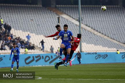 دیدار تیم های استقلال تهران و ایرانجوان بوشهر
