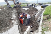 اجرای عملیات هدایت آبهای سطحی بلوار 24 متری دگایران در سنندج
