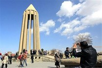 رشد 30 درصدی بازدید از اماکن تاریخی همدان/ اجرای مستمر نوروزخوانی در آرامگاه بوعلی سینا