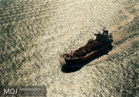 نوسان قیمت نفت بین ۴۰ تا ۵۰ دلار در سال جاری میلادی