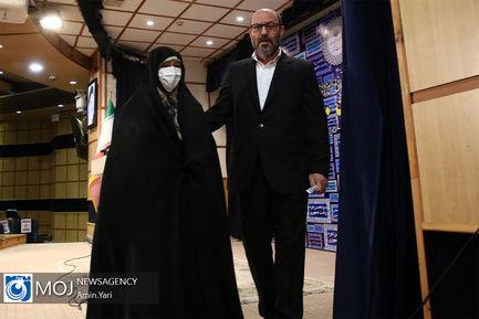 ثبت نام سردار حسین دهقان در انتخابات ریاست جمهوری ۱۴۰۰