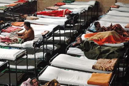 اسکان ۲۱۰۰ کارتن خواب در مددسراها