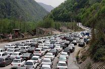 انسداد محور چالوس-مرزن آباد به دلیل ریزش کوه
