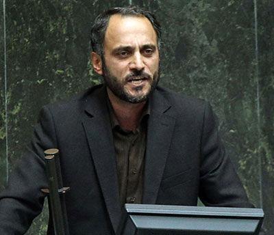 علوی وزارت اطلاعات را از مسائل سیاسی دور کرد