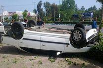 واژگونی پژو پارس با 5 مصدوم  در فریدن