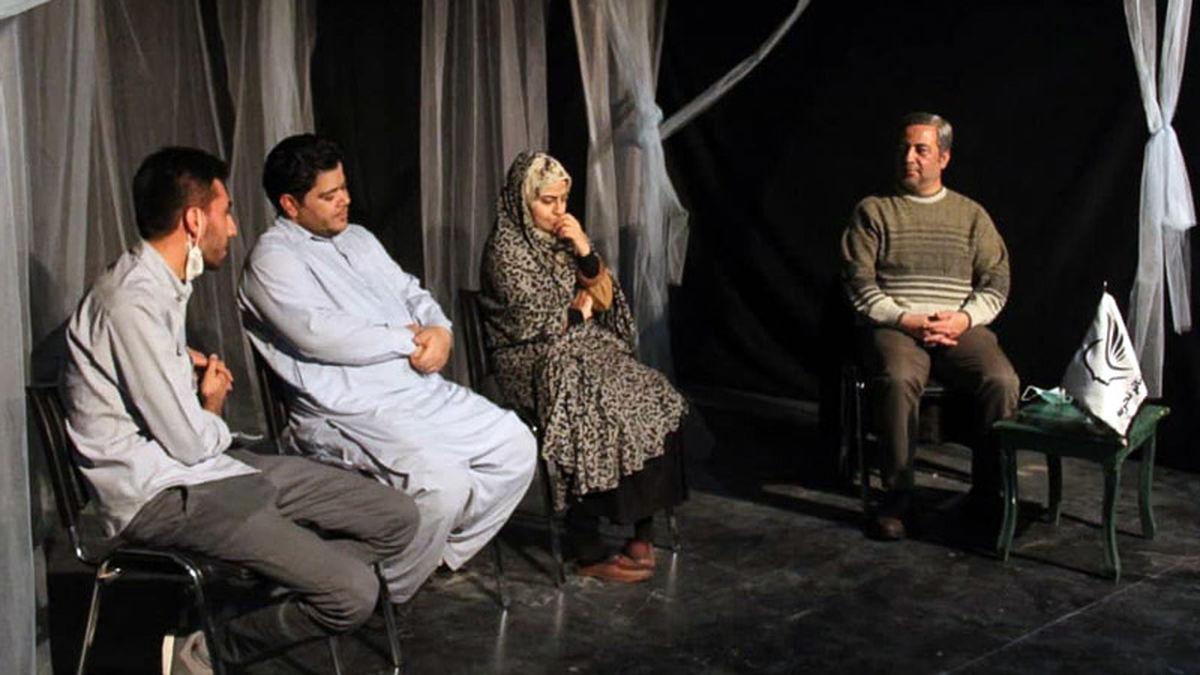 نقد و بررسی نمایش «کسوف» با حضور رئیس انجمن هنرهای نمایشی قم