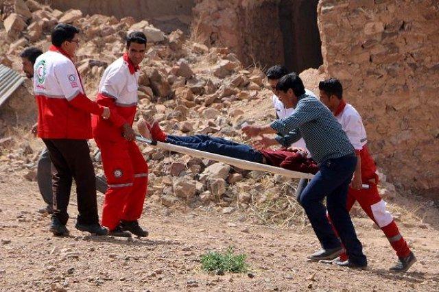حضور 150 امدادگر هلالاحمر در مناطق زلزلهزده تازهآباد