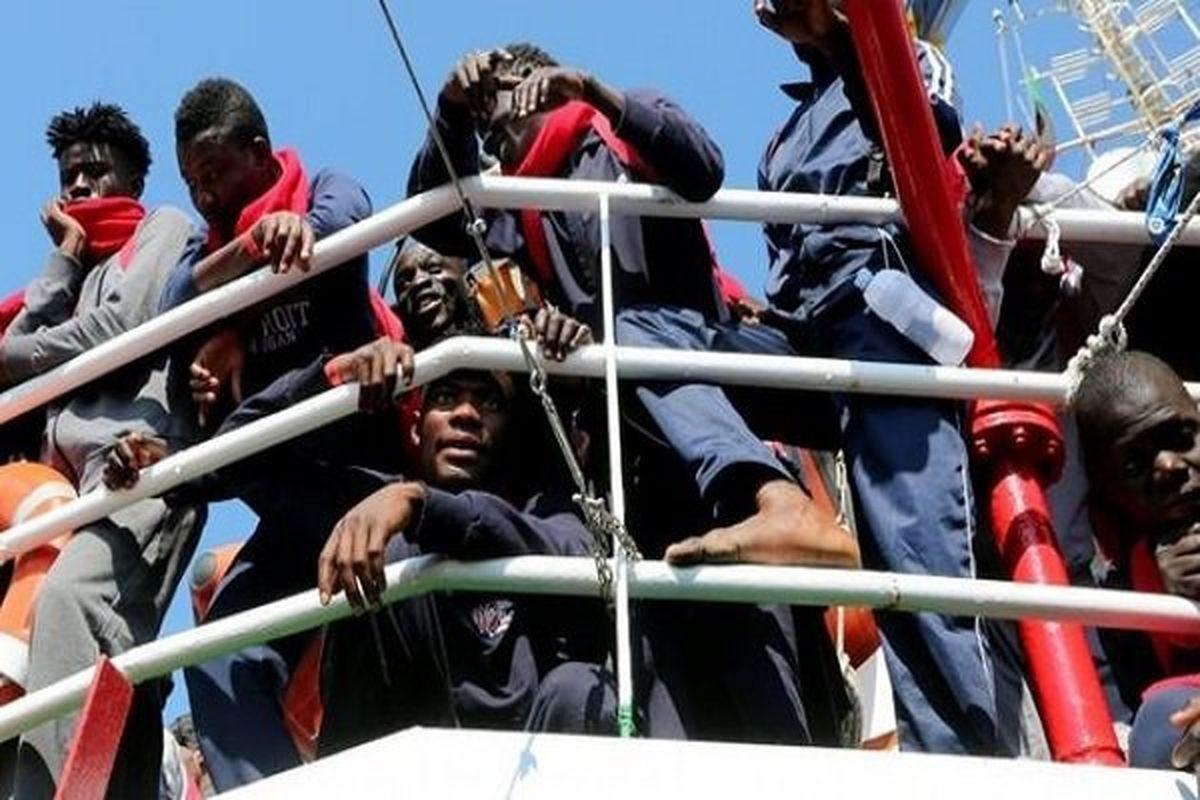 احتمال مرگ حدود ۴۰ مهاجر در پی واژگونی قایق
