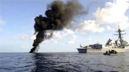 شناور جنگی ائتلاف عربی در جنوب غرب یمن هدف موشک قرار گر فت