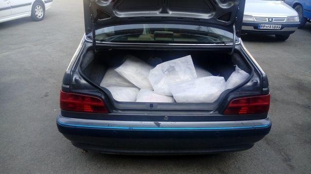کشف 300 کیلو تریاک از یک خودرو پژو در اصفهان