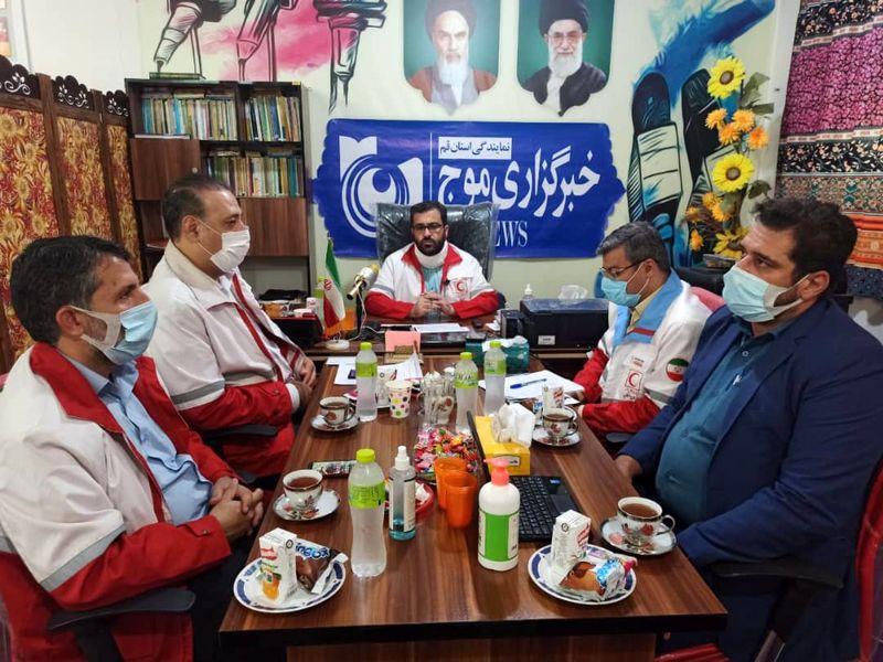 بازدید رئیس جمعیت هلال احمر قم از تحریریه خبرگزاری موج قم
