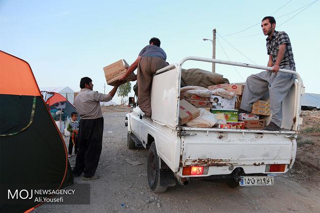 مشکلات چادر، پتو، تغذیه رفع شد و ما روزانه حدود ۱۵ هزار غذای گرم را بین مردم توزیع میکنیم