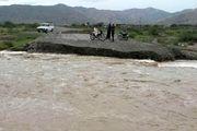 راه های ارتباطی 13 روستای سیریک قطع شد/مرگ جوان مینابی بر اثر صاعقه