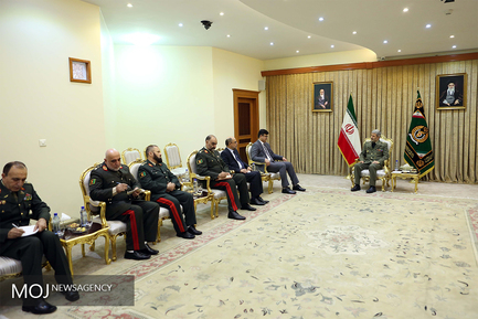 دیدار معاون سیاسی راهبردی وزارت دفاع ملی افغانستان با وزیر دفاع ایران
