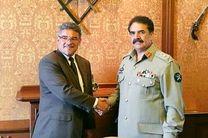پاکستان سربازان چک را آموزش می دهد
