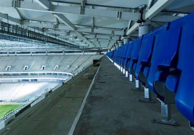 مونتاژ صندلیهای ورزشگاه روستوف
