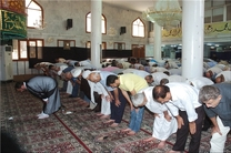 کمک ۸ میلیارد ریالی شهرداری برای استقرار ۱۰۰ روحانی در مساجد محوری حاشیه شهر