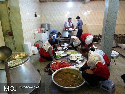 برپایی ۵۰۰۰ «سفره مهربانی» و توزیع ۱۰۰ هزار بسته غذایی میان نیازمندان از سوی هلال احمر