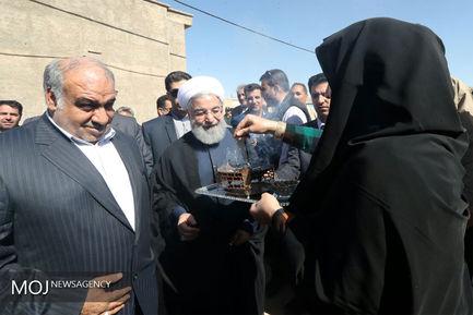 بازدید رییس جمهوری از مناطق زلزله کرمانشاه