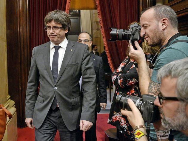 دادگاه عالی اسپانیا 13 نفر از اعضای دولت معزول کاتالونیا را احضار کرد