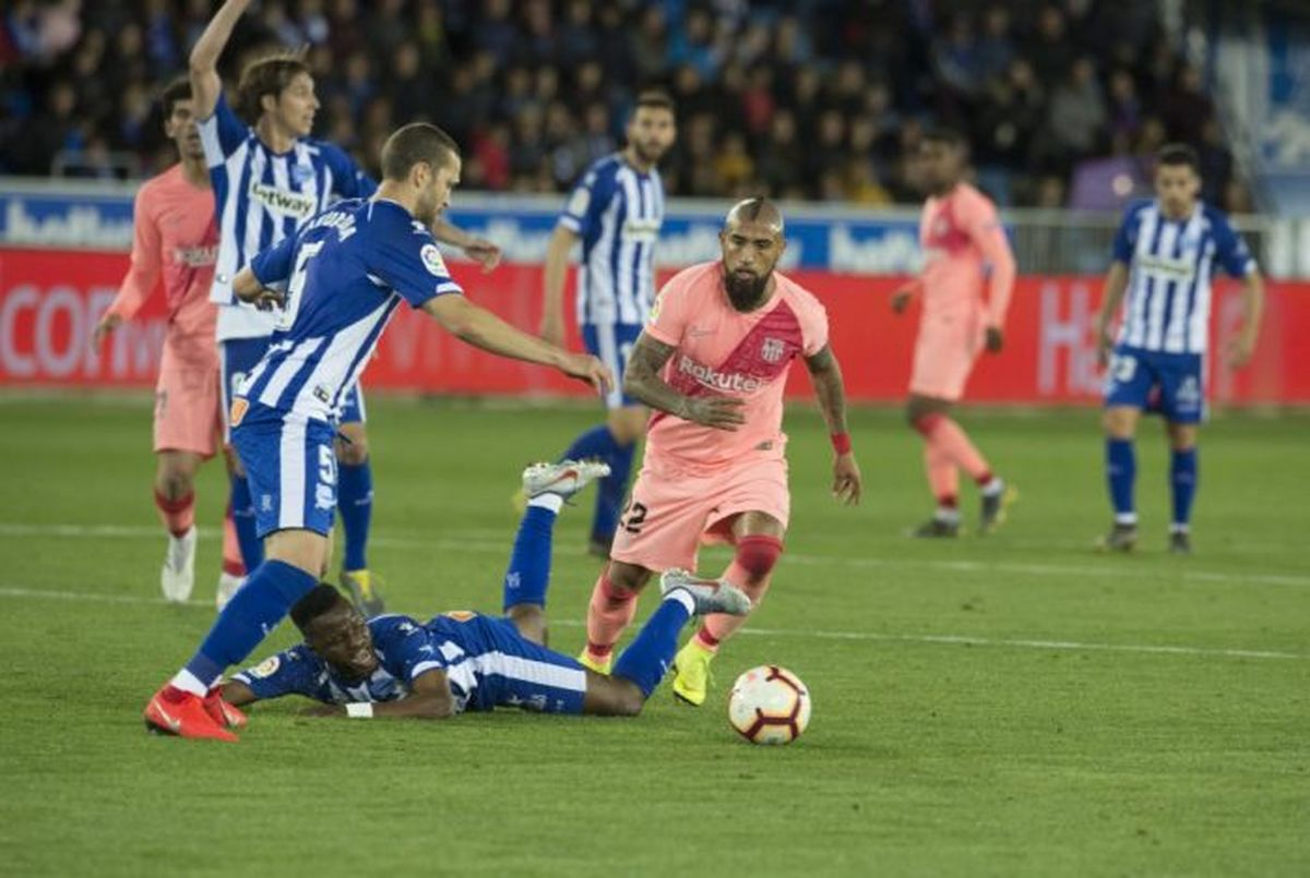 ساعت بازی آلاوس و بارسلونا مشخص شد