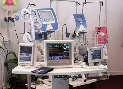 کشف انبار تجهیزات پزشکی خارجی قاچاق در اصفهان