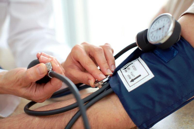 اجرای طرح پایش فشار خون را برای کارکنان و نمایندگان مجلس