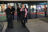 اف بی آی درباره حمله فرودگاه میشگان به عنوان اقدامی تروریستی تحقیق می کند