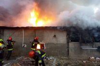 آتش سوزی در بازارچه توپخانه ۵۵ ارتش در اصفهان / علت آتش سوزی در حال بررسی است