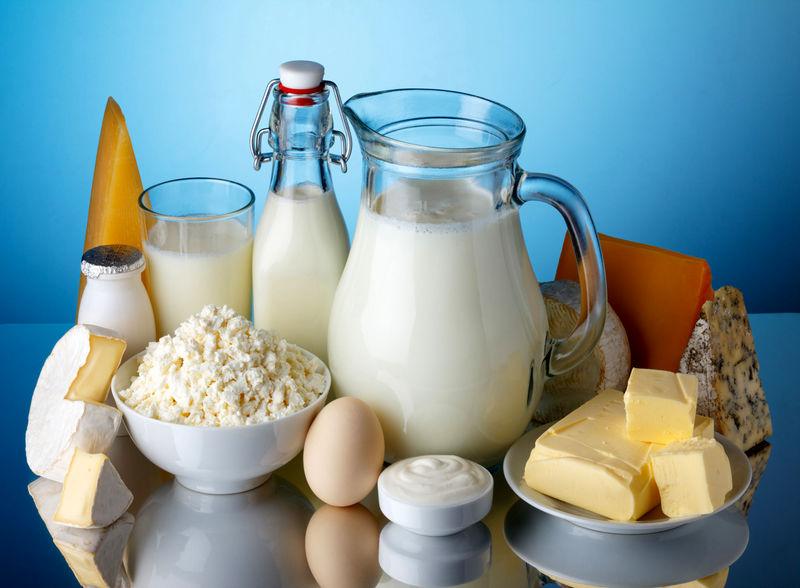 ۱۰ میلیون تن شیر خام در کشور تولید می شود