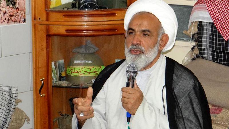 امام خمینی با جان و مال و آبروی خود از دین دفاع کرد