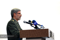 وزیر دفاع با فرمانده حشد الشعبی دیدار و گفتوگو کرد