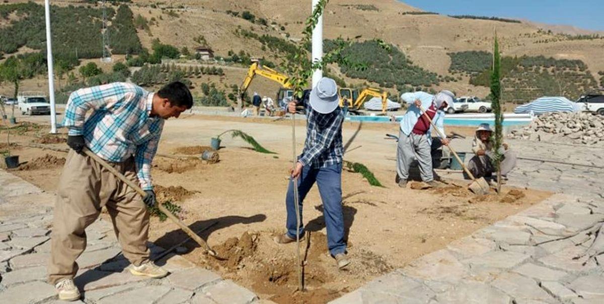 آغاز عملیات احداث فضای سبز پارک 2 هکتاری باغ ایرانی در آبیدر سنندج