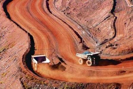 اشتغال84 نفر در معدن سنگ آهن تنگ زاغ/ استخراج 800 هزارتن هماتیت در سال
