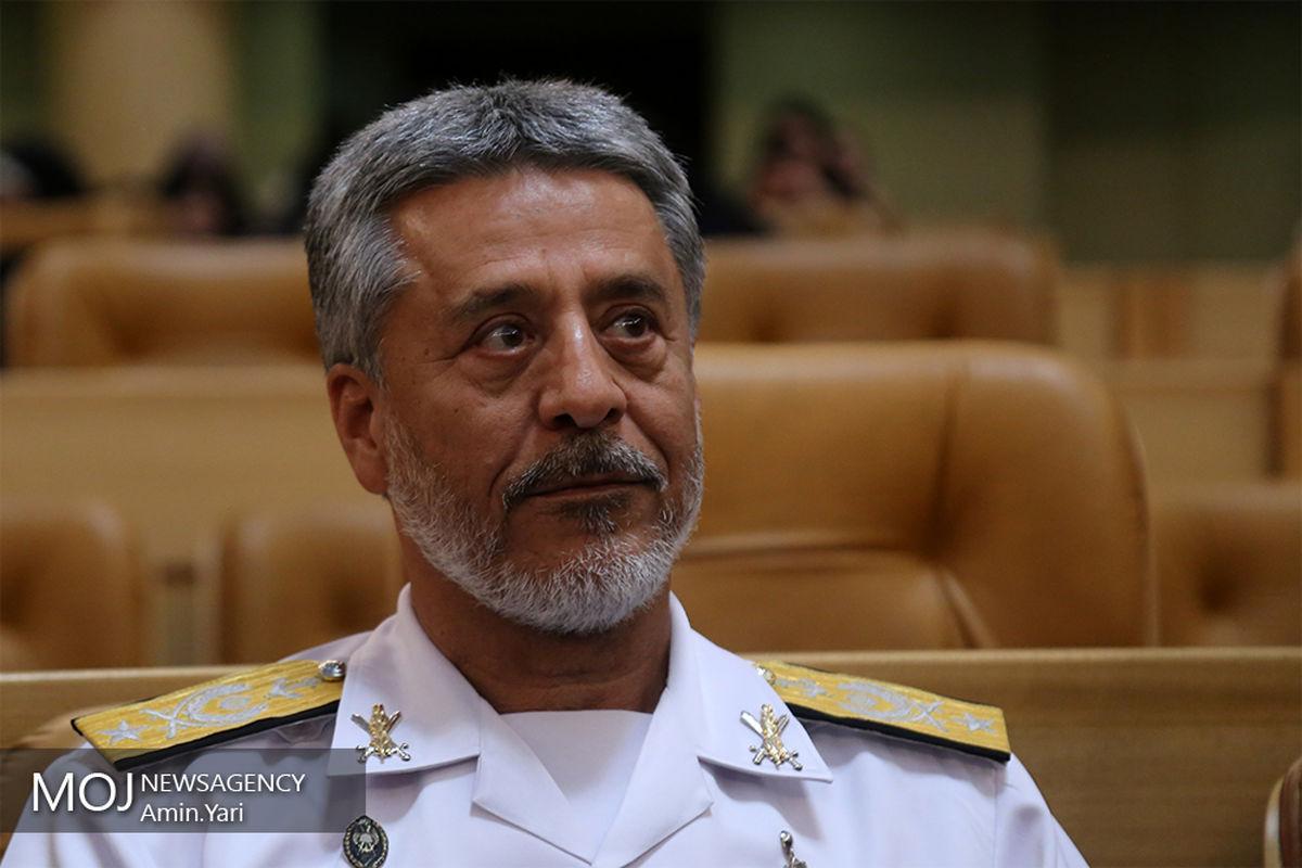 پیاک تبریک دریادار سیاری به وزرای دفاع و علوم به مناسبت هفته پژوهش