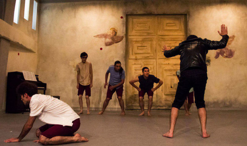 نمایش پسران تاریخ با دو اجرا به صحنه میرود