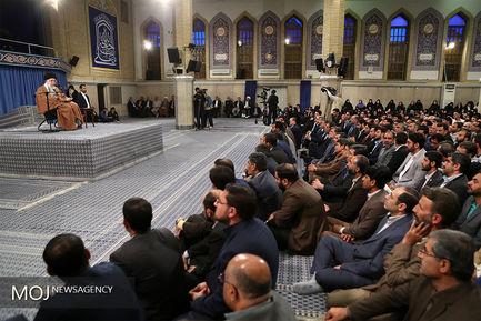 دیدار هزاران نفر از معلمان و فرهنگیان با مقام معظم رهبری