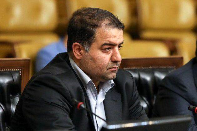 در بارندگی های اخیر تهران آب گرفتگی مهمترین عامل ترافیک است