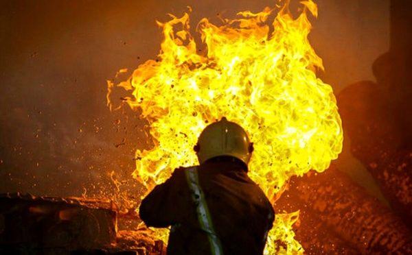 آتش سوزی پاساژ پروانه به دلیل اتصال برق