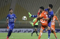 برتری استقلال خوزستان مقابل پدیده در نیمه اول